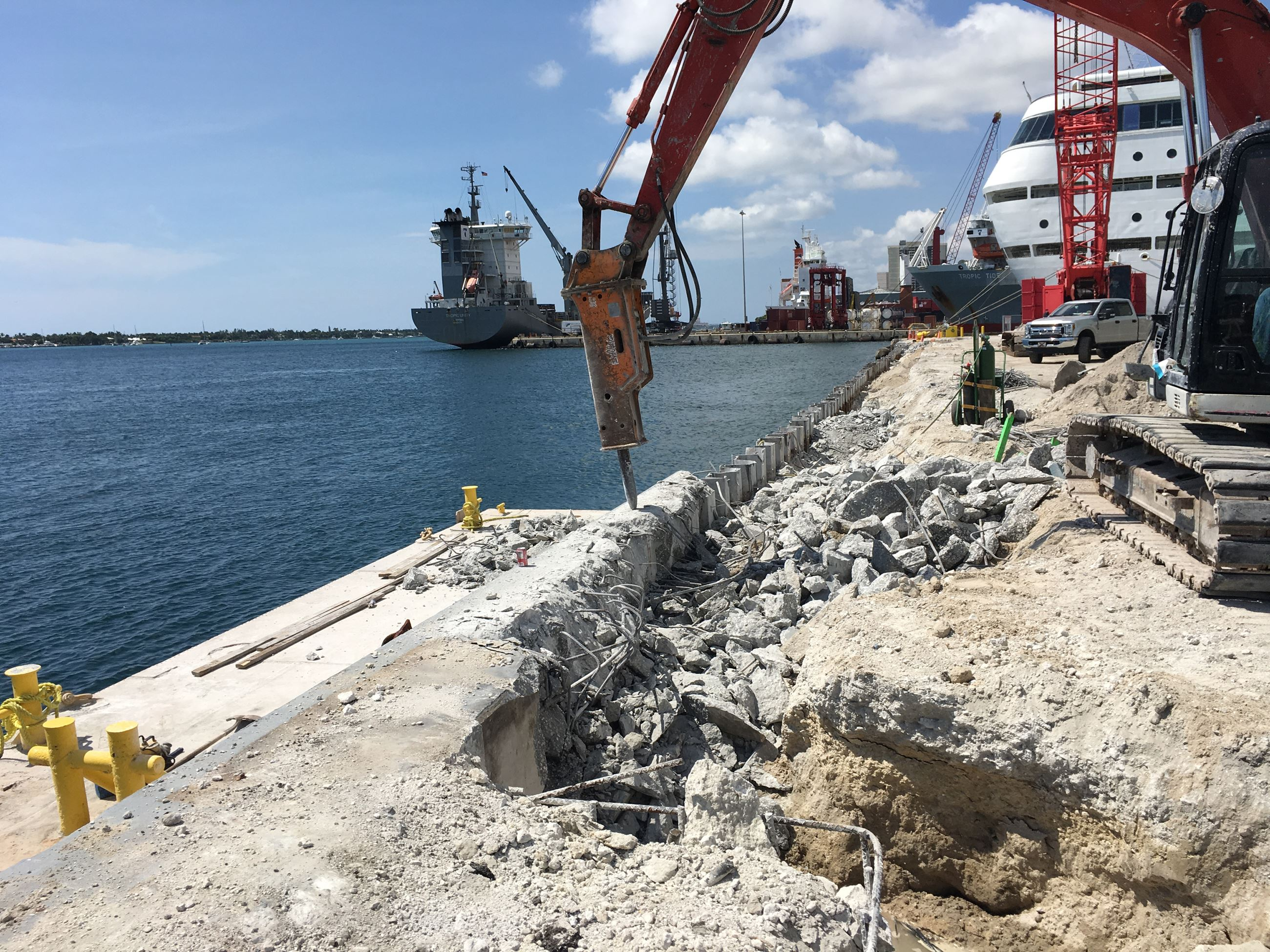 Crews removing concrete pile cap on Jul;y 2nd